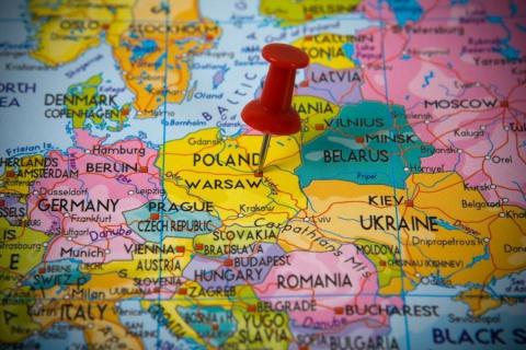 Проміняти Польщу на іншу країну не проти що четвертий український заробітчанин. Але решта троє хочуть залишитися
