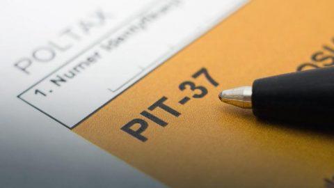 Коли чекати повернення податку та чи каратимуть осіб, які запізняться з поданням РІТ