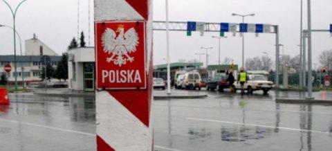 Польща закриває кордони для іноземців, а Україна ще й припиняє авіасполучення зі світом