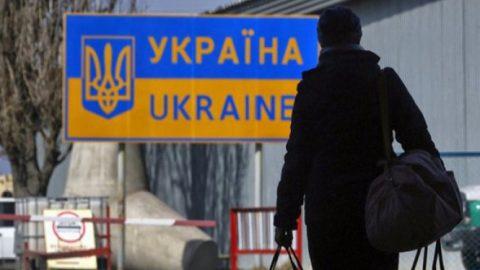 Що десятий український працівник виїхав з Польщі за перші місяці епідемії. І це тільки офіційно працевлаштовані
