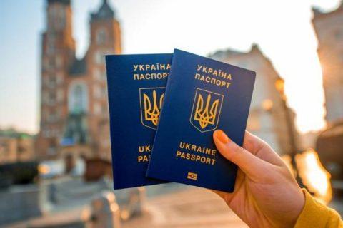 У Польщі дійсні посвідки на проживання має 237 тис. громадян України