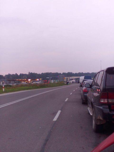 «Восьма година в черзі до України через Грушів. До митниці ще далеко» – польські прикордонники страйкують