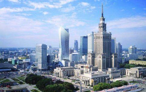 Українські заробітчани все більше укорінюються в Польщі