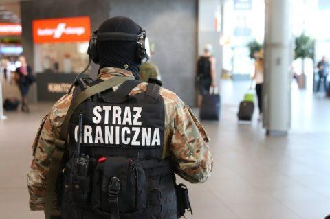 13 тисяч нелегалів переправила до Польщі злочинна група. Затримано 17 осіб