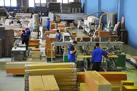 Роботодавці виступають за розширення періоду дозволу на роботу іноземцям у Польщі