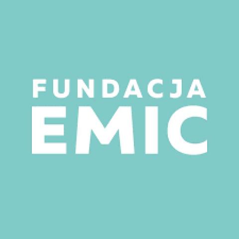 В допомогу іноземцям Fundacja Emic
