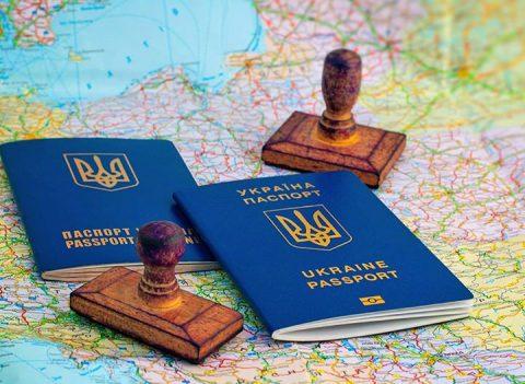 Українські заробітчани не зловживають безвізом для роботи у Європі, а працюють там легально — голова МЗС