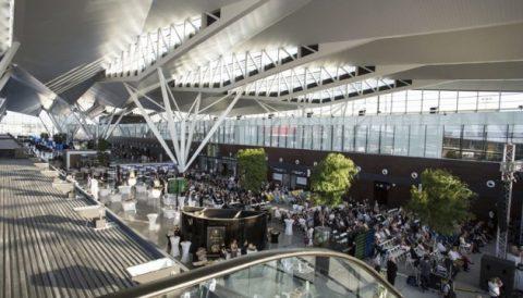 Польща поки не стала відновлювати авіасполучення з-за меж ЄС