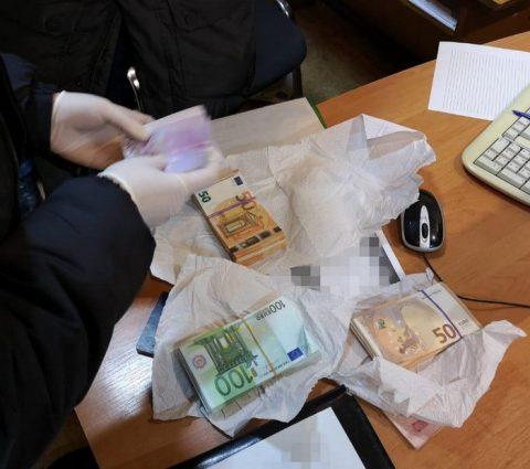 Контрабандист пропонував СБУшнику 26 тисяч євро хабара (Відео)