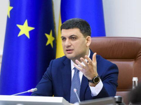 Український прем'єр знає як повернути заробітчан в Україну