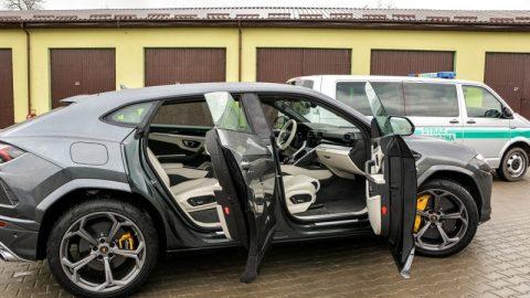 На польському кордоні українця затримали на краденому Lamborghini (Фото)