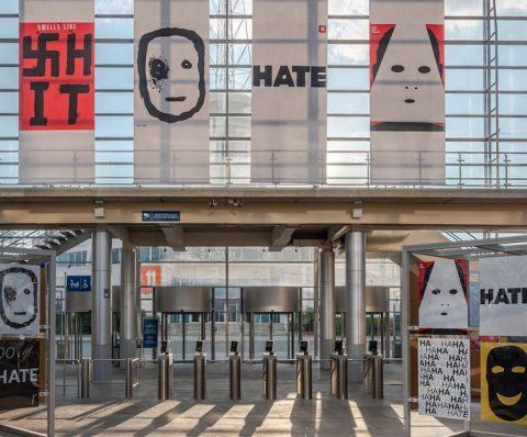 Дизайнер з України отримав нагороду в Польщі за плакат про ненависть
