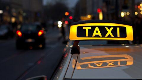 Нардепи вирішили обкласти податками таксистів України