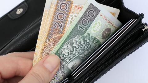 Зменшення податку на доходи у Польщі для багатьох стане малопомітним