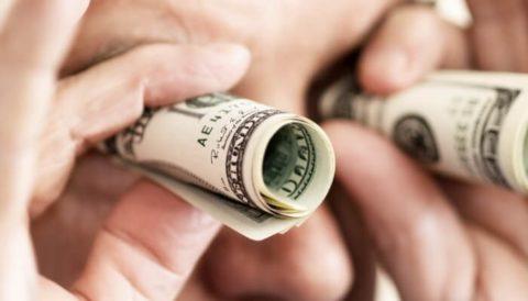 У поточному році трудові мігранти перекажуть на 2 мільярди доларів менше – НБУ
