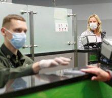 """Коронавірус: на українському кордоні міряють температуру, а Польща запровадила """"гарячу лінію"""""""