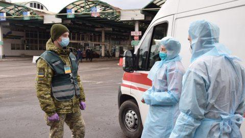 На кордоні за добу температуру виміряли 75 тисяч особам