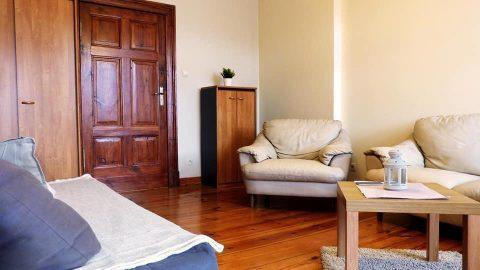 Pokój dwuosobowy w mieszkaniu 3 pokojowym.