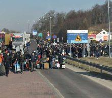 Напружена ситуація на кордоні. Тисячі охочих потрапити в Україну (Відео)