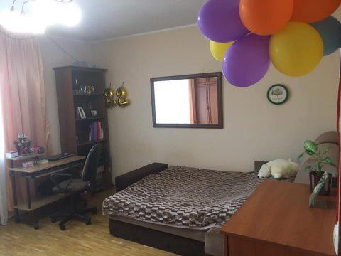 Вроцлав: кімната в 3-к квартирі