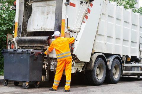 """Муніципалам дозволять штрафувати порушників """"сміттєвої"""" декларації, тож несортоване сміття підвищить оренду житла"""