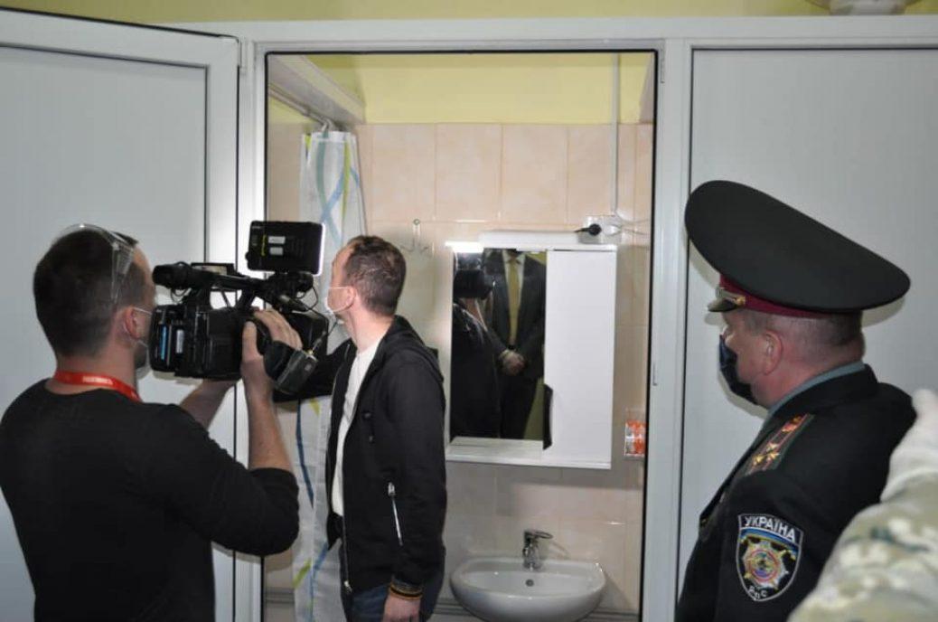 Фото дня. Міністр Юстиції України на відкритті платної камери у Львівському СІЗО