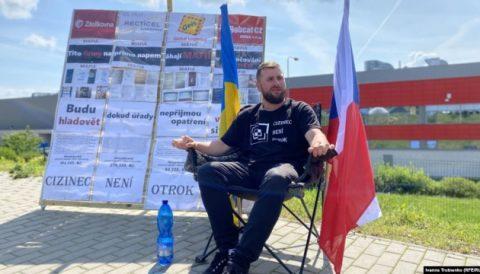 У Чехії українець тиждень голодував, протестуючи проти невиплати грошей заробітчанам