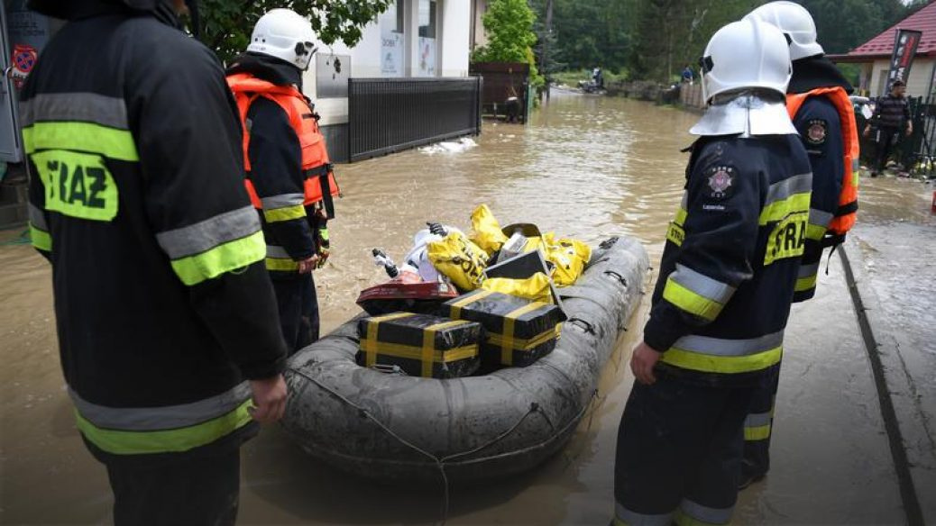 Остерігалися посухи, а прийшла велика вода – Польща бореться з негодою (Фото)