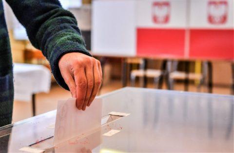 Президентські вибори у Польщі: у другий тур виходять чинний президент і мер Варшави