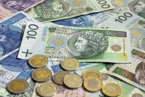 Наступного року у Польщі зросте мінімальна зарплата