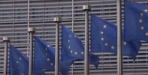 В українських ЗМІ обговорюють загрозу припинення безвізового режиму з ЄС.