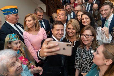 Зеленський ініціює масштабний всеукраїнський флешмоб Ukraine NOW для молоді.