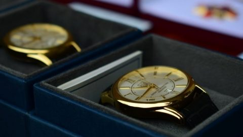 Кабмін замовив партію наручних годинників на суму майже в півмільйона гривень