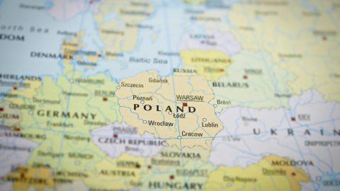 Негативний тест на COVID-19 позбавляє від 10 денного карантину при перетині польського кордону.