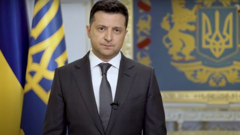 """Зеленський покликав Путіна зустрітися """"в будь-якій точці"""" Донбасу"""