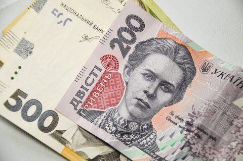 А ви знали що в Україні стали заробляти більше? Статистика vs реальне життя
