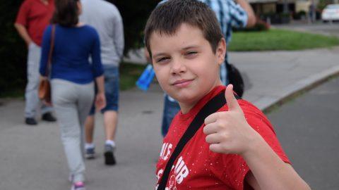 """З 1 липня батьки можуть подавати онлайн-заявки на допомогу """"Добрий старт"""" для школярів в Польщі"""