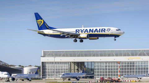 """Ryanair планує """"агресивне розширення"""" на авіаринку України: до Пщльщі з 12 аеропортів України"""