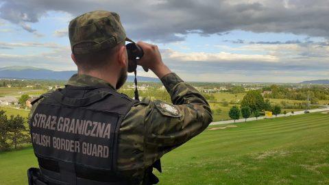 Польські прикордонники затримали 8 нелегалів на кордоні з Україною